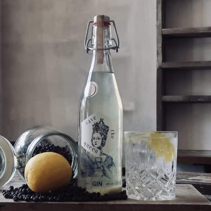 Save the Queen Gin & Tonic
